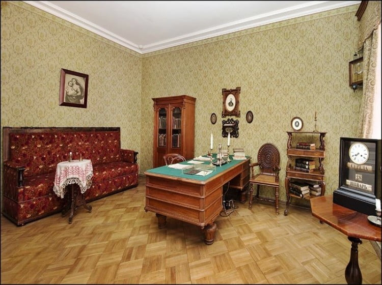 Литераторно-мемориальный музей Ф.М. Достоевского в Кузнечном переулке (Санкт-Петербург)