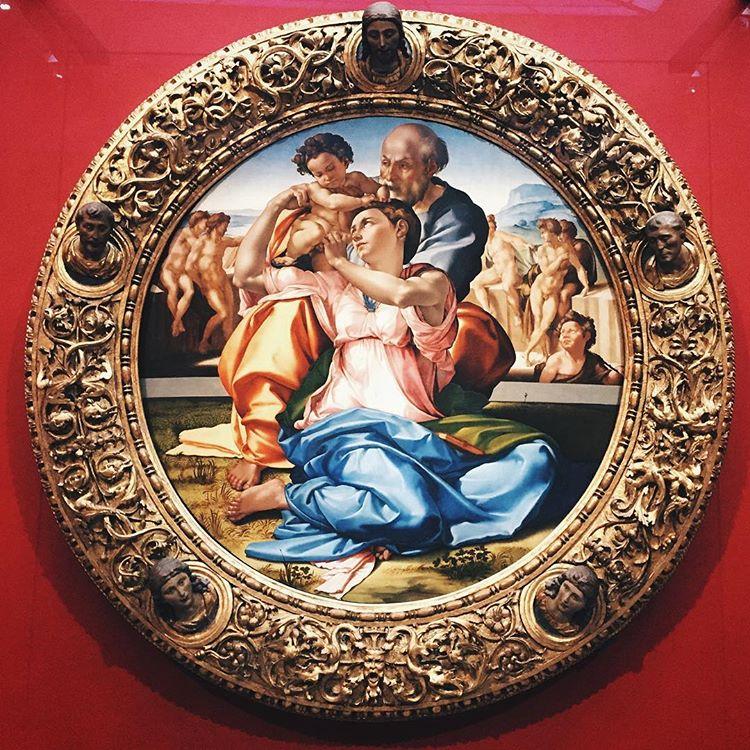 Микеланджело svyatoe-semejstvo-madonna-doni