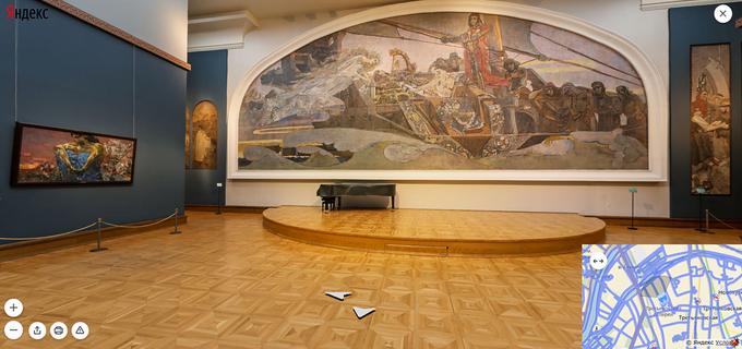 В зале Врубеля Третьяковской галереи на Лаврушенском переулке