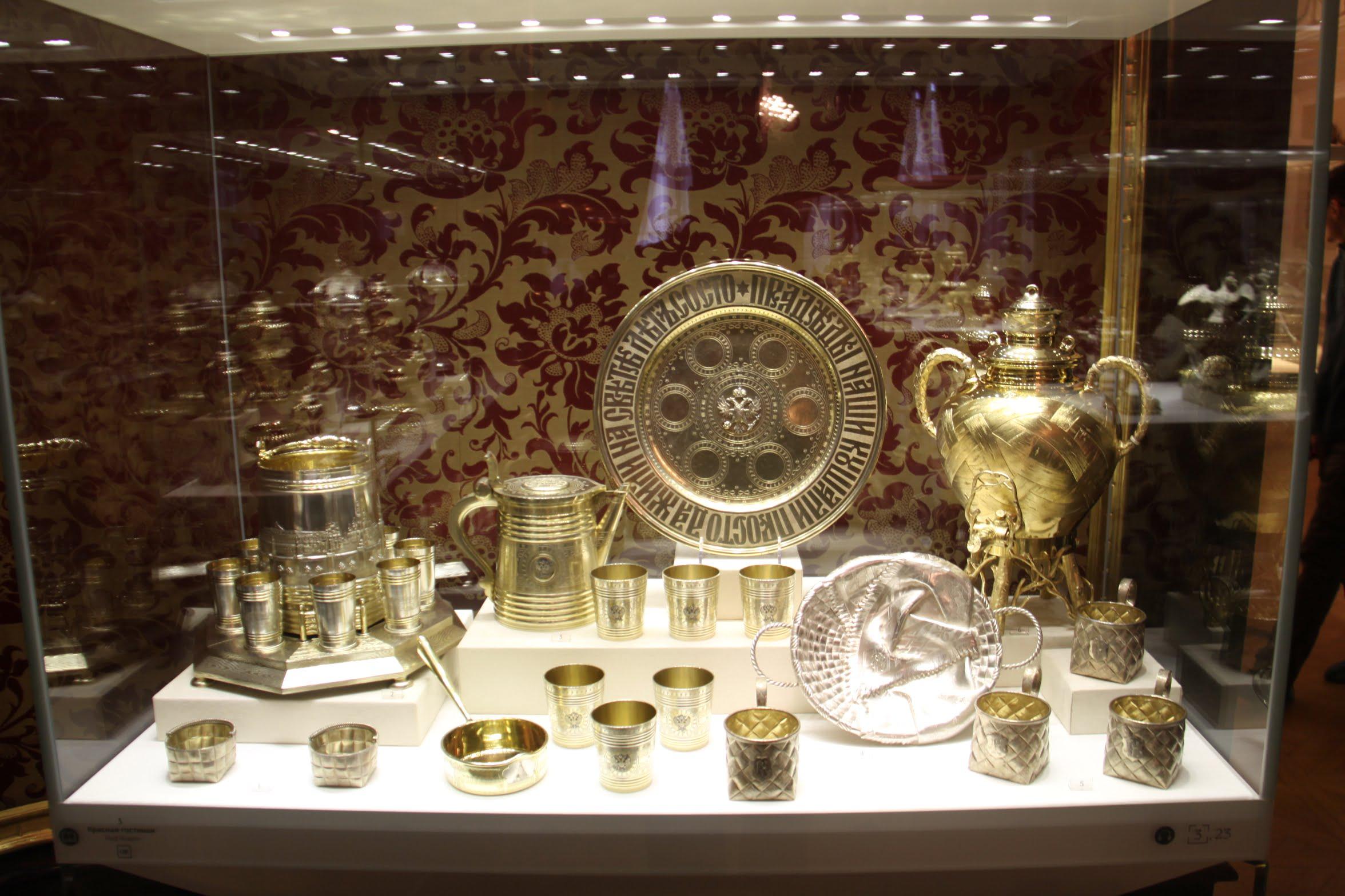 В залах музея Фаберже