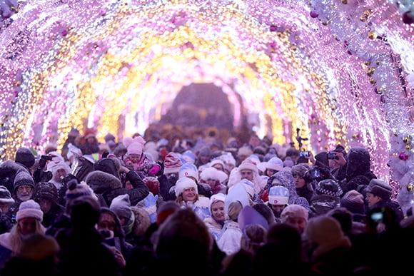 Парад Снегурочек1