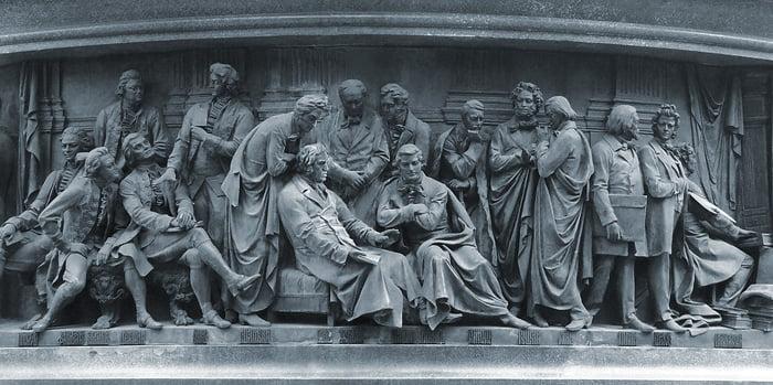 Писатели и художники на Памятнике Тысячелетие Руси