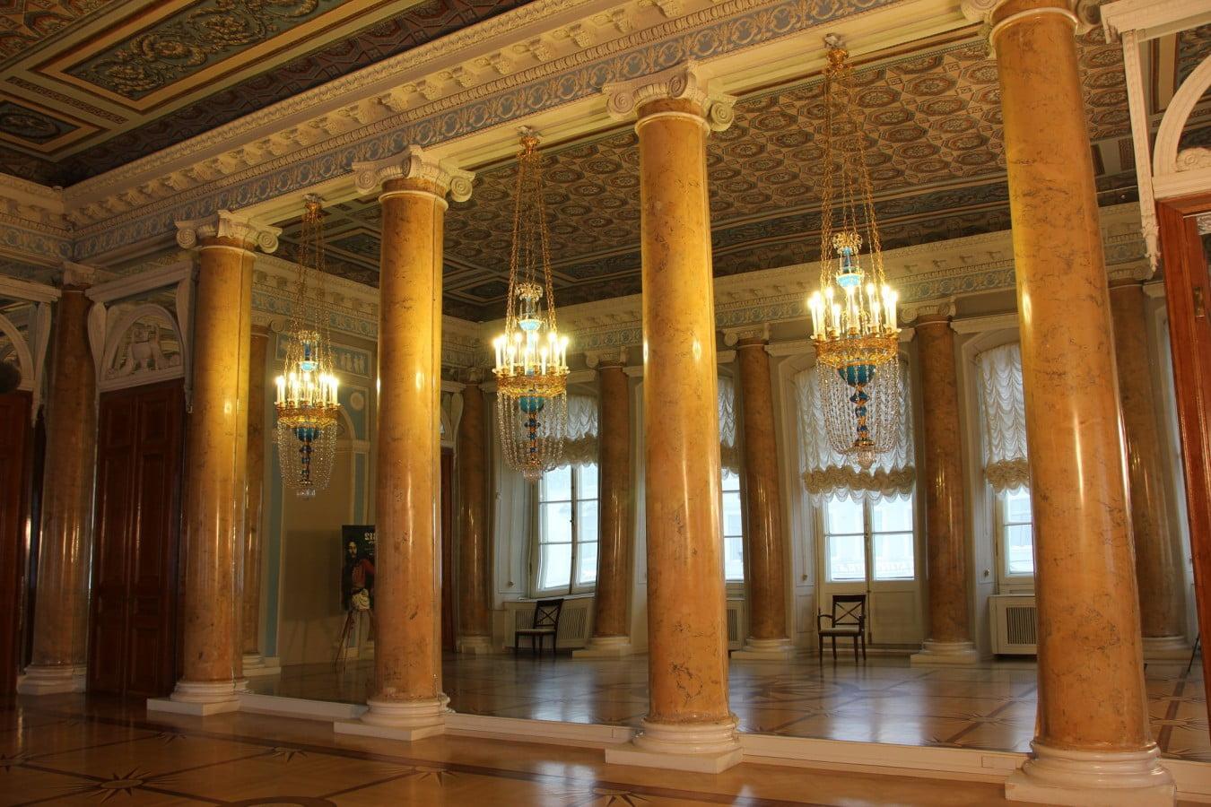 Строгановский дворец. Интерьер