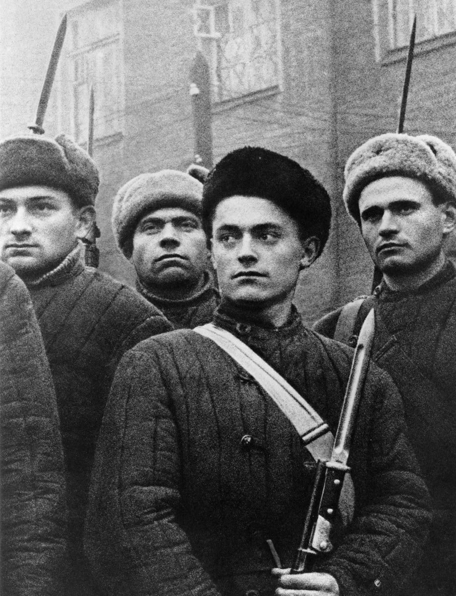 Александр Устинов. Бойцы рабочего батальона Москва