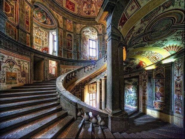 Палаццо Фарнезе в Риме. Интерьер