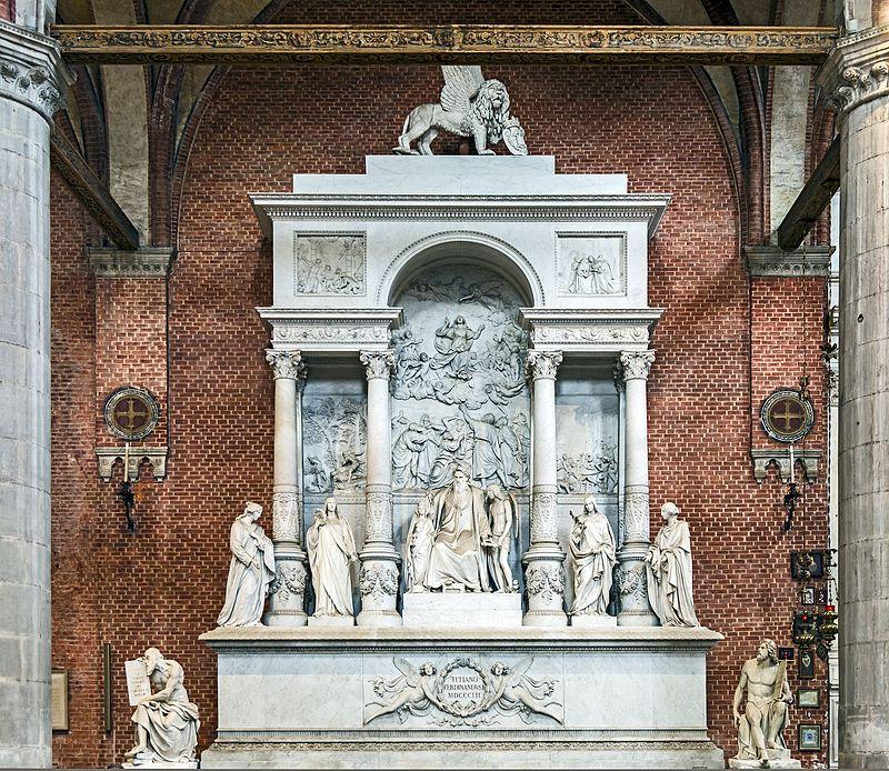 Памятник Тициану в церкви Венеции