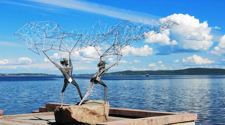 """Статуя """"Рыбаки"""" на набережной Петрозаводска"""