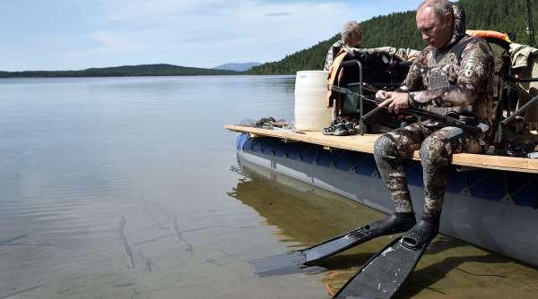 Путин на рыбалке в Республике Тыва. 2017 год