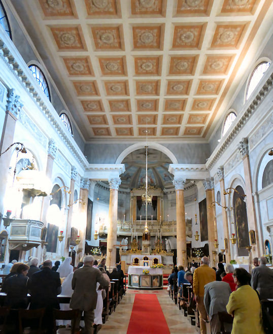 Церковь Сан Сильвестро в Венеции. Тинторетто Крещение Христа