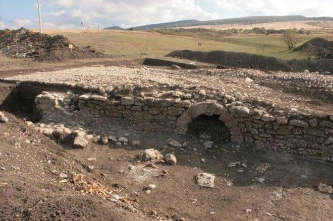 Каменный мост времен Екатерины II в Крыму