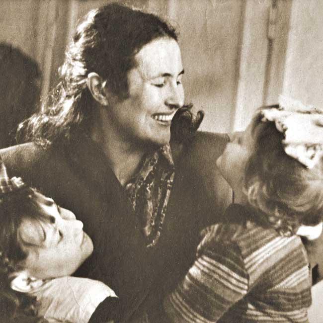 Художница Яблонская с дочерьми