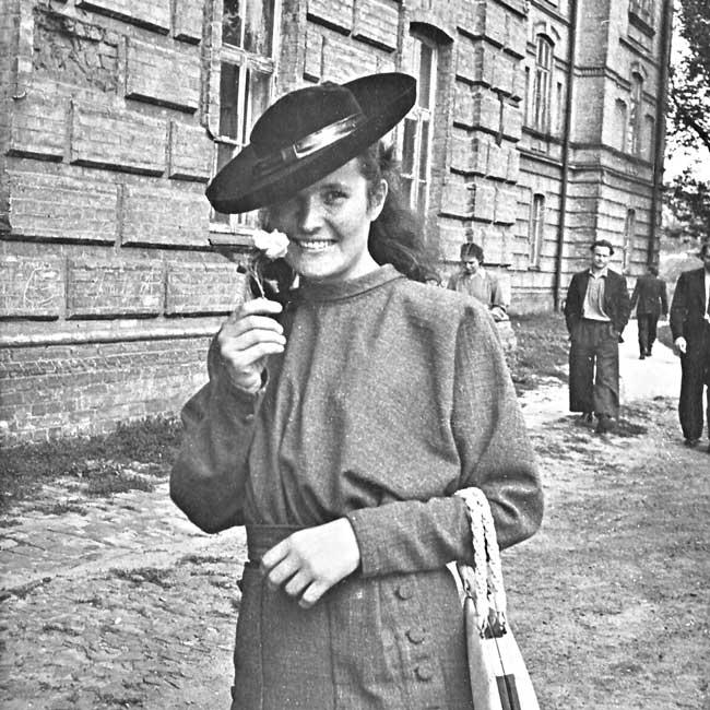 Художница Татьяна Яблонская