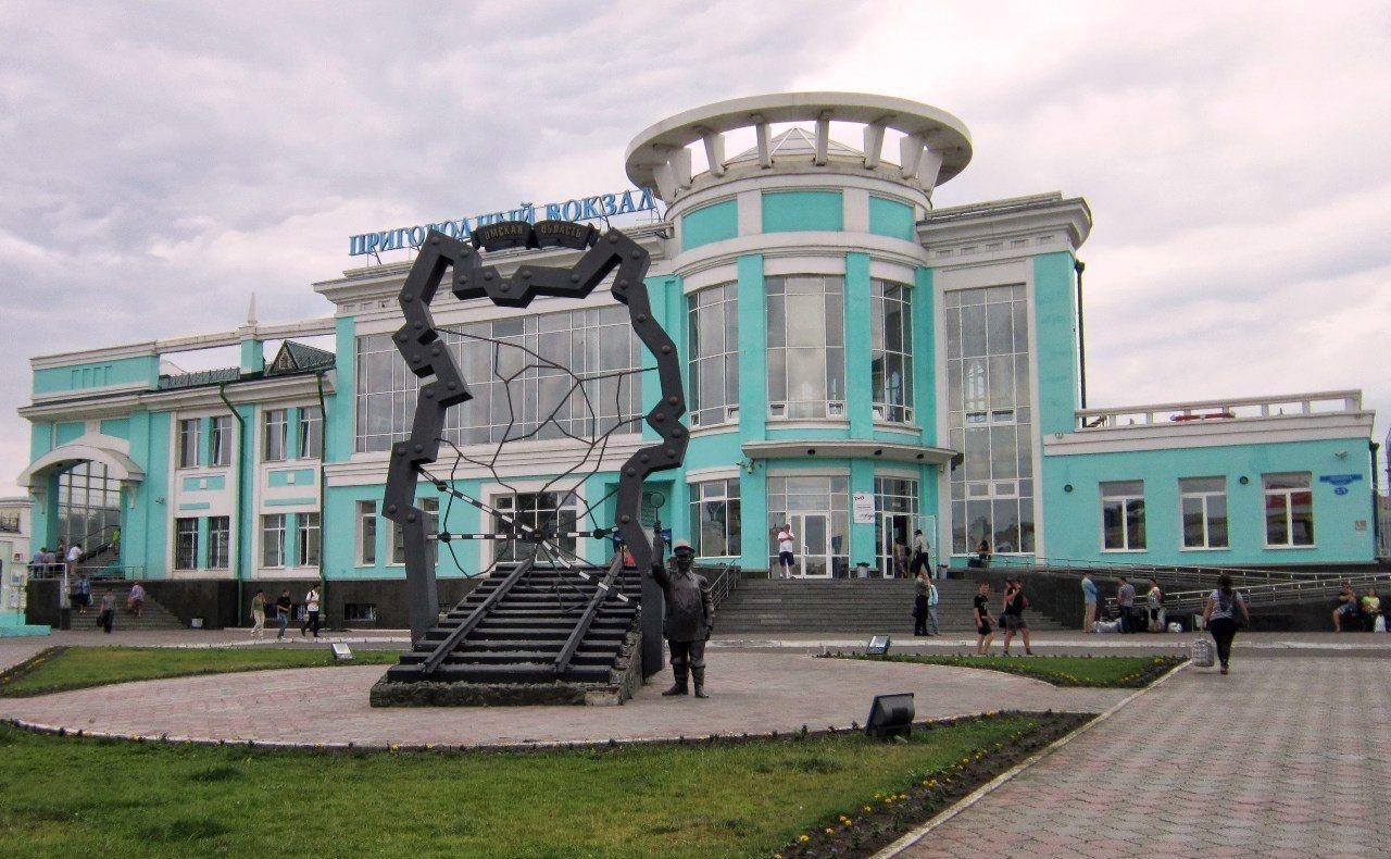 Омск. Памятник Петровичу