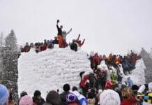 Бакшеевская масленица - разгром снежного городка