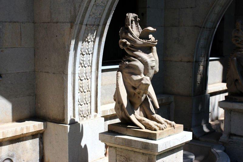 Скульптура в Массандровском дворце