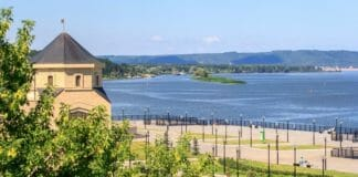 Река Волга вблизи причала Болгара