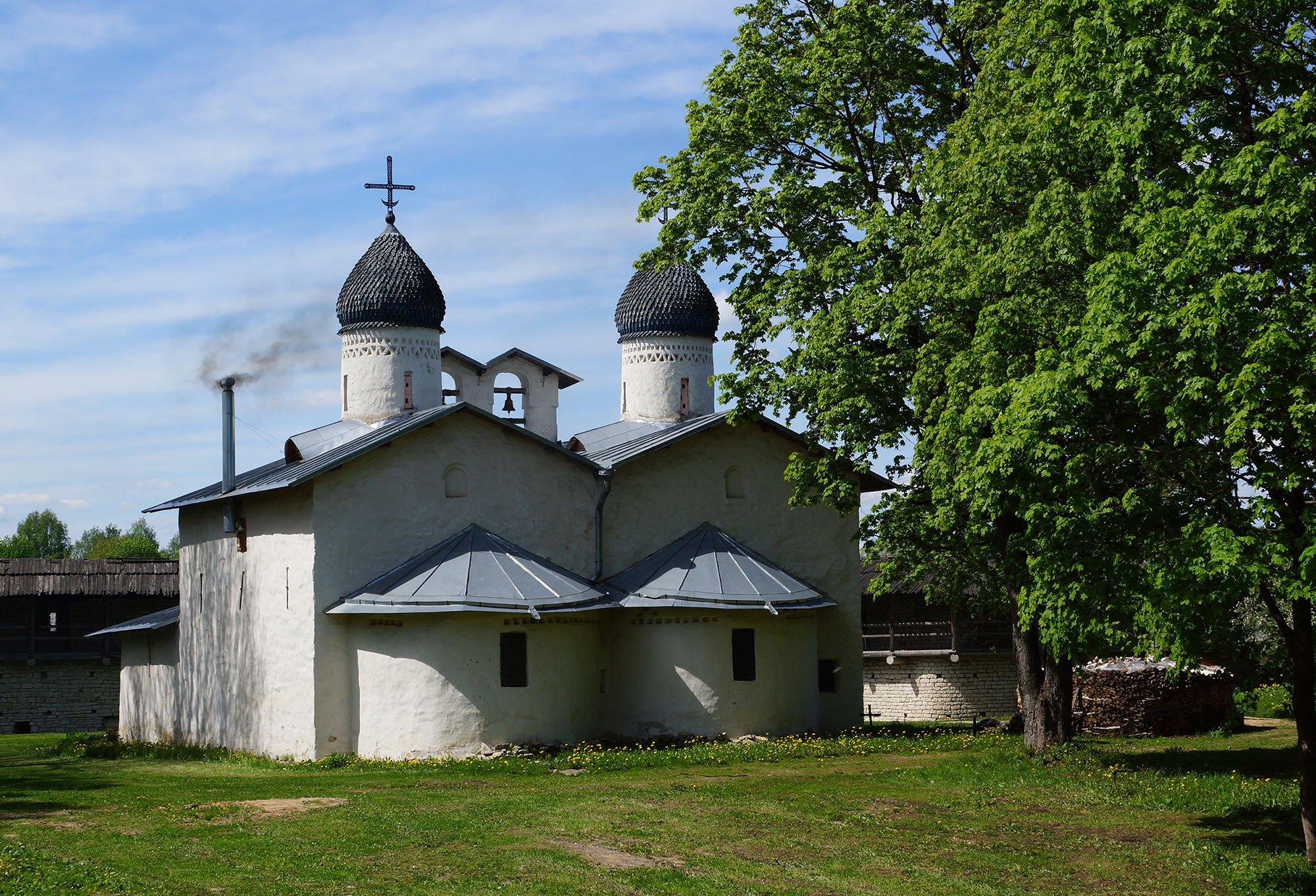 Псков Юнеско. Церковь Покрова от Пролома