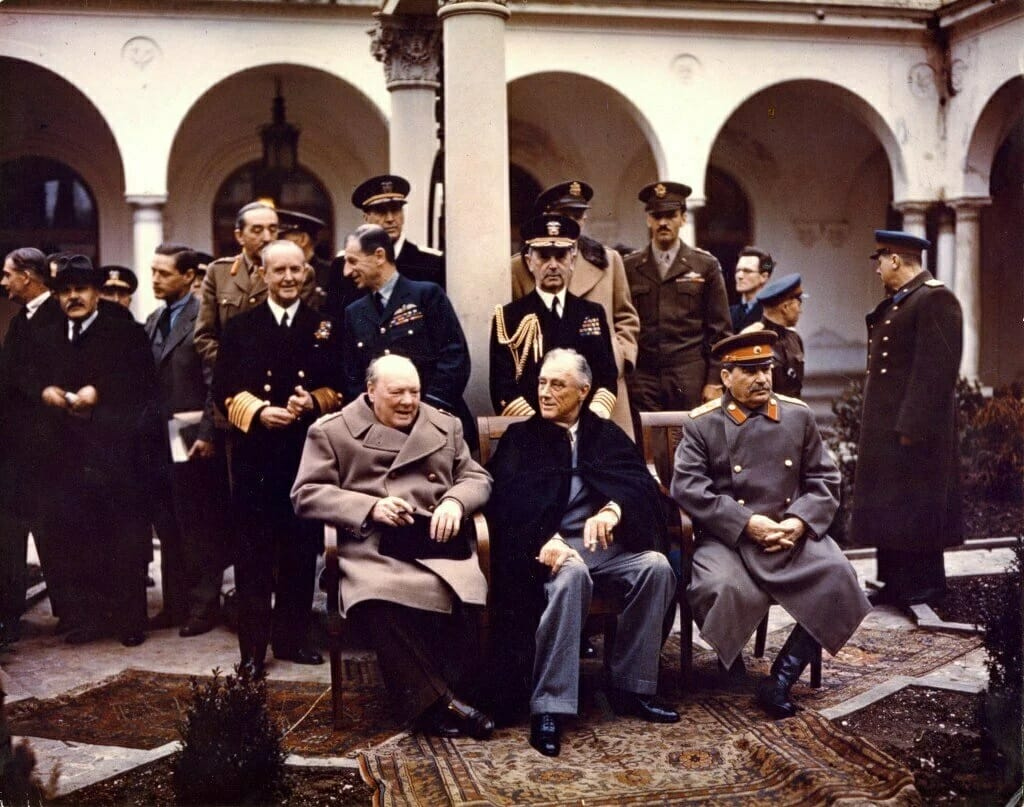 Черчиль, Рузвельт и Сталин на Ялтинской конференции 1945 года