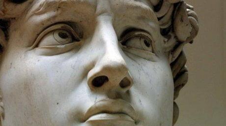 skulptura-david-lico-vblizi