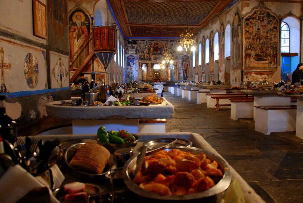 Постный стол в монастыре