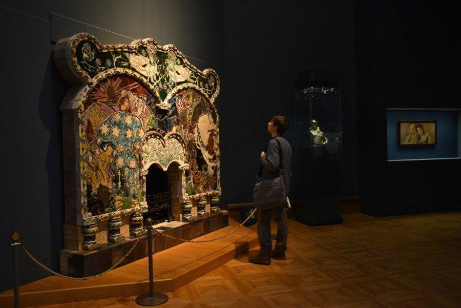 Камин работы Михаила Врубеля. Абрамцевская мастерская. Камин находится в Третьяковской галерее