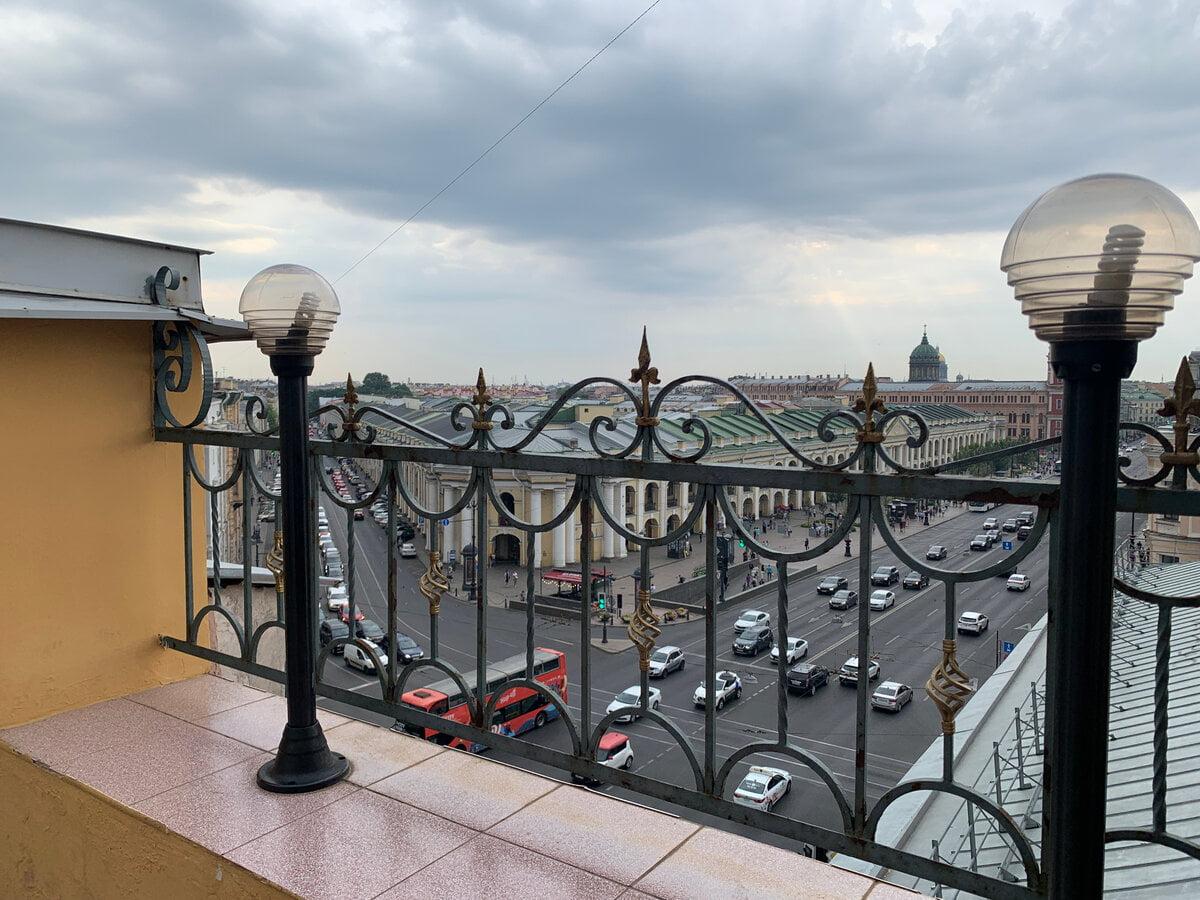 Вид со смотровой площадки Музея фотосалона Карла Буллы на Невском проспекте